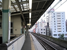 http://www.tsuchibuta.com/jr-east/chuuouline-east/015kouenji/015kouenjiimages/172_7235.jpg