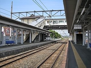 好摩駅(JR東日本・花輪線)駅舎...