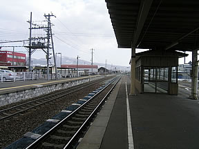 伊達紋別駅(JR北海道・室蘭本線...