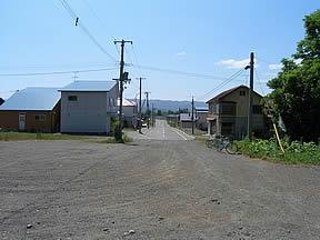 智恵文駅(JR北海道・宗谷本線)駅舎・駅名標・ホーム・駅前写真・画像