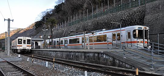 飯田線(JR東海)駅舎、ホーム、駅前の写真、画像